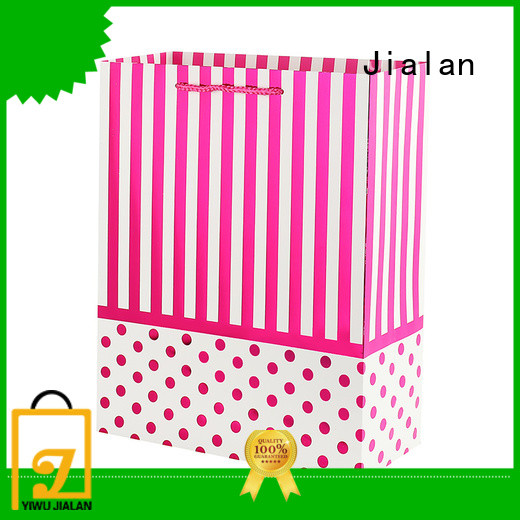 Jialan paper gift bags indispensable for packing birthday gifts