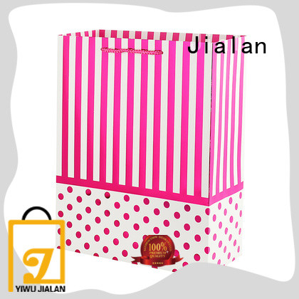 paper gift bags widely applied for packing gifts