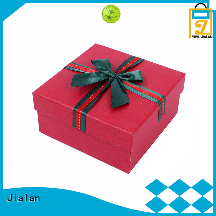 paper present box popular for packing birthday gifts