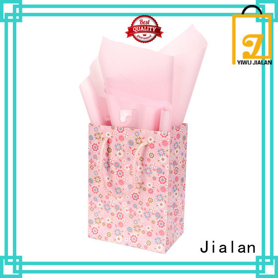 cost saving personalized paper bags optimal for packing gifts