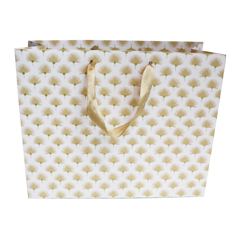 Wholesale Custom Exquisite Eco-Friendly Golden Flower Ivory Gift Paper Bag With Handle