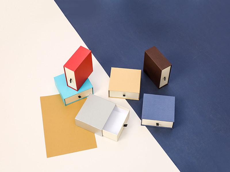 2021 جديد مربع مربع مخصص هدية عيد الميلاد مع هدية اليد الكرتون مخصص