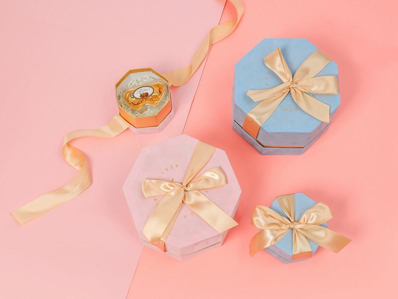هل يمكننا طلب كمية صغيرة جدا لمربع هدية جميلة؟