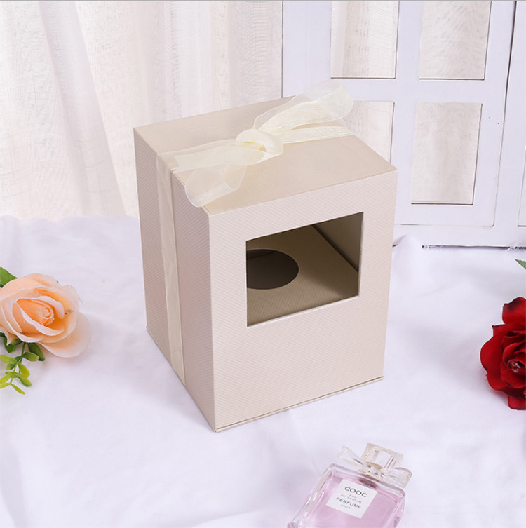 Valentine's Day Surprise Flower Gift Box Customized Wedding Companion Hand Gift Window Rose Gift Box Preserved Flower Box Packaging
