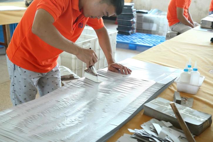 4-Glue the paper