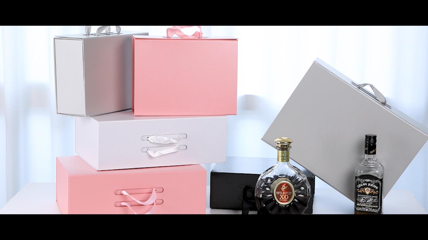 صندوق قابل للطي هو تصميم جديد للقبض على السوق ترين وتلبية رضا العملاء. علاوة على ذلك، يمكن أن يوفر مربع هدية هذه التكلفة 80٪ خلال تكلفة التسليم.