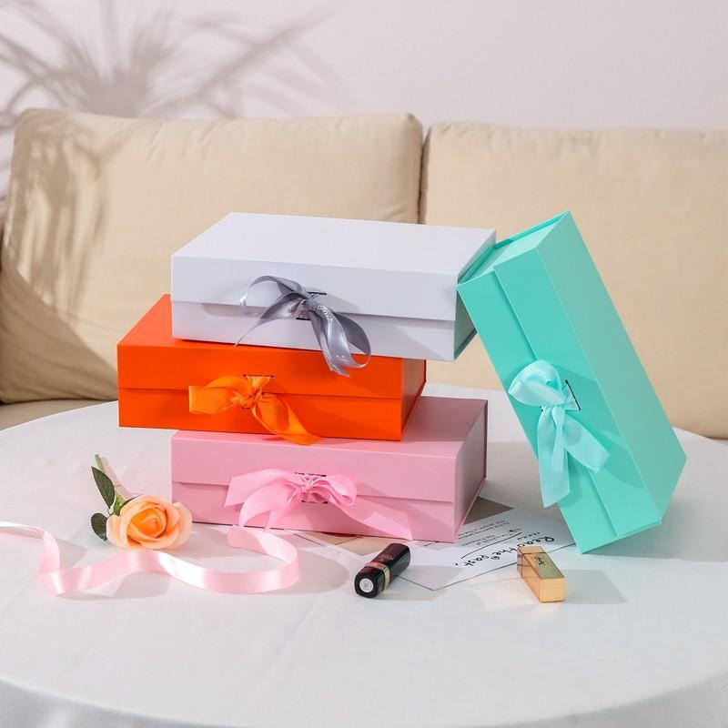 بلون لون هدية قابلة للطي مع القوس الشرط للهدايا