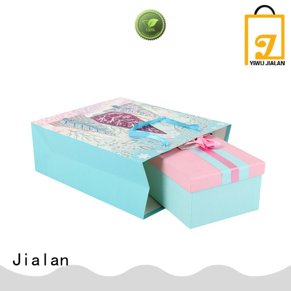 various gift wrap bags suitable for packing birthday gifts