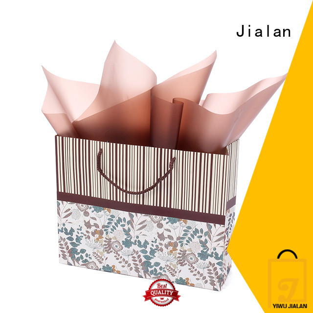 paper gift bags optimal for holiday gifts packing