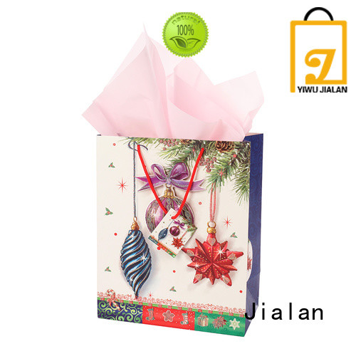 Eco-Friendly gift bags satisfying for holiday gifts packing